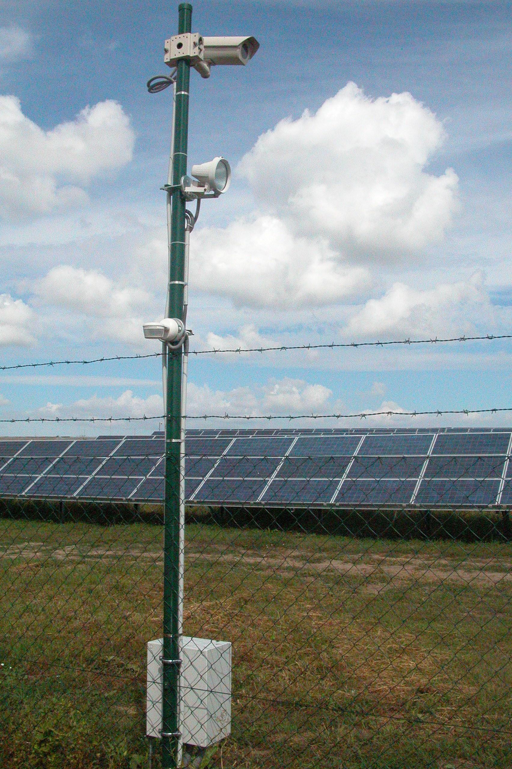 Komplexná ochrana fotovoltickej elektrárne v štrkovci